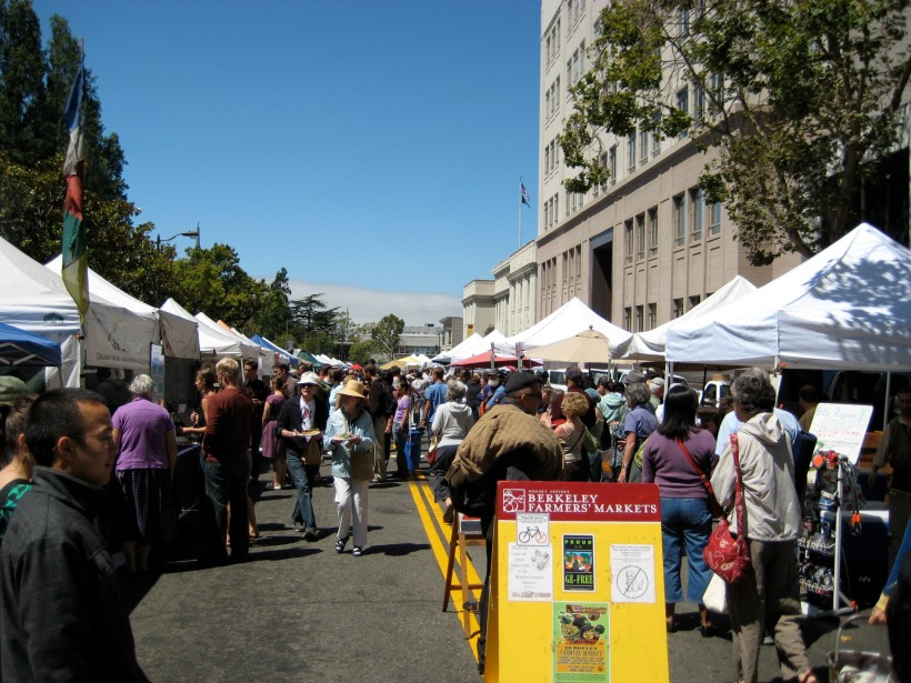 Entering the Berkeley Farmer's Market