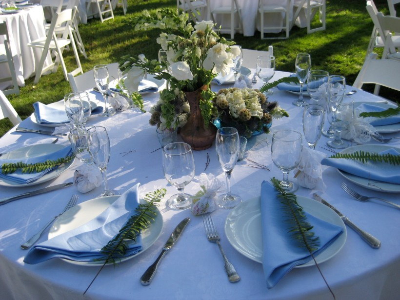 The beautiful table settings. Each table featured a different centerpiece.